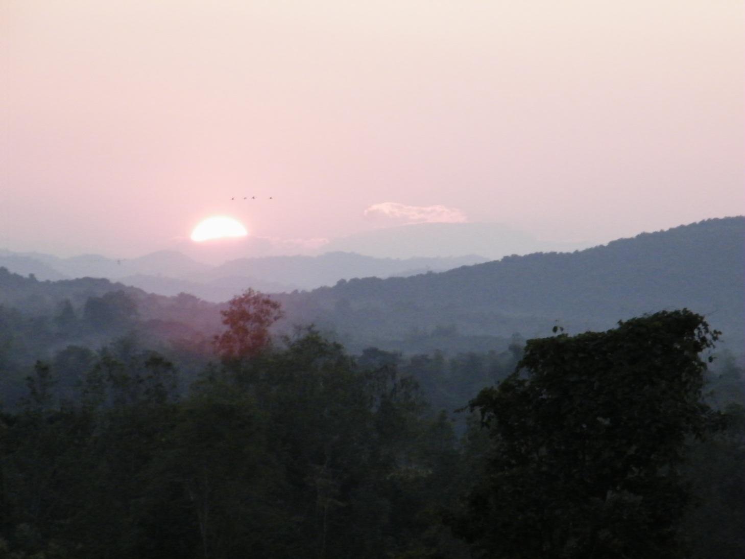 นอนนับดาว รีสอร์ท บ้านพัก ภูทอก เชียงคาน พระอาทิตย์ตก