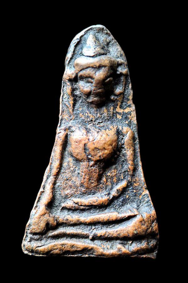 พระผงสุพรรณ พิมพ์หน้าแก่ กรุวัดพระศรีรัตนมหาธาตุ จ.สุพรรณบุรี No.032
