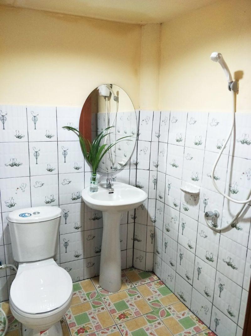 ห้องน้ำกาสะลอ
