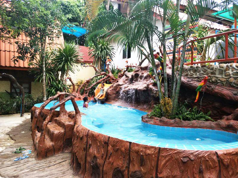 สวนน้ำเด็ก