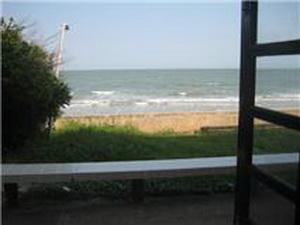 ห้องนอน เปิดหน้าต่าง ก็เห็นทะเลแล้ว