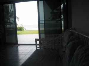ภาพจากในบ้าน ถ่ายไปที่หาดทราย