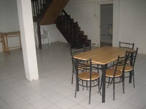 ห้องนั่งเล่น มีโต๊ะทานอาหาร