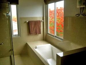 มีอ่างอาบน้ำด้วย วิวสวย