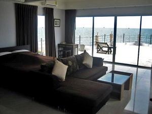 ห้องนอน 5  สูงสุด  มีนอกชาน เดินออกไปชมวิวทะเลได้เต็ม ๆ