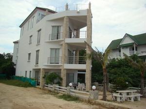 อีกรูป ของหน้าบ้าน ติดทะเล