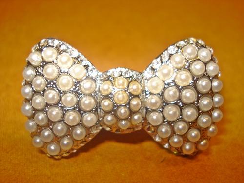 ฟอร์เอฟเวอร์21 แหวนรูปโบว์ประดับมุกสีขาว / White Pearl Ribbon Ring