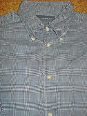 บานาน่า รีพับบลิค เสื้อเชิ้ตผู้ชาย เสื้อเชิ้ตแขนยาว ลายตารางสีดำ-ขาว-ฟ้า มีกระเป๋า / Black Plaid Long-sleeves Shirt  size L