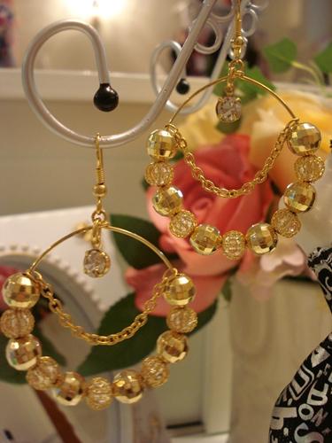 ต่างหูห่วงร้อยตุ้มทรงกลม มีให้เลือก สีทอง กับ สีเงิน ค่ะ / Golden Balls Silver Balls Drop Earring