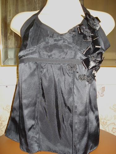แม็คสตูดิโอ เสื้อคล้องคอสีดำแต่งดอกไม้ Black Silk Halter Top  size M