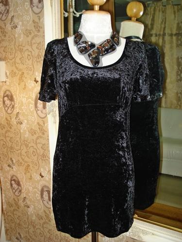 เอชแอนด์เอ็ม เดรสสั้นผ้ากำมะหยี่สีดำ Little Black Dress size S
