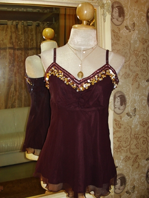 เอสปรี เสื้อสายเดี่ยว ซิลค์ปักเลื่อม เนื้อผ้าบางเบาอัดย่น / Embroidered Silk Ruffle Top