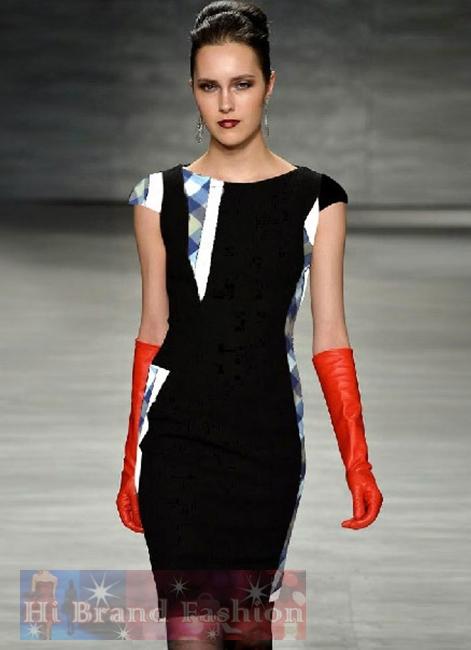 เบอร์เบอร์รี่ เดรสใส่ออกงานแขนสั้น เดรสสาว CEO working woman ใส่ทำงานออฟฟิศ ผ้ากำมะหยี่สีดำตัดแต่งผ้าลายตาสก็อตหน้าหลังเก๋ๆ ค่ะ KC522 Boutique Fashion Women Runway Plaid Patchwork Black Velvet Dress พร้อมส่ง size S