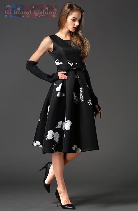 ชุดเดรสใส่ออกงานแขนกุด ผ้าคอตต้อนสีดำพิมพ์ลายผีเสื้อสีขาว กระโปรงบานสุ่มยาวคลุมเข่าพร้อมเข็มขัดผ้าหัวโบว์เข้าชุด งานตามแบบแบรนด์ Chictopia Butterflies in Black Midi Dress พร้อมส่ง 2 ไซส์  S กับ M
