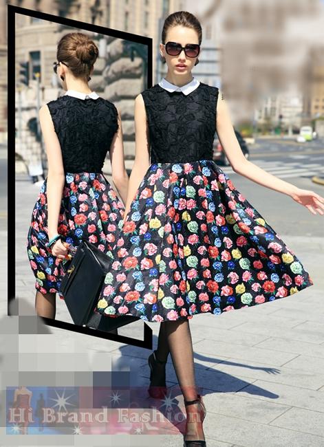 เดรสหรูใส่ออกงานแขนกุด คอปกขาว ผ้าตาข่ายซีทรูปักลูกไม้สีดำ ตัดต่อกระโปรงผ้าแจ็คการ์ดสีดำพิมพ์ลายดอกโบตั๋นหลากสีสดสวยผลิบานเต็มกระโปรงที่จับจีบปล่อยบานยาวอวดความสูงสง่างาม  Dream Flowers Vintage Black Midi Dress พร้อมส่ง 3 ไซส์ค่ะ S M และ XXL