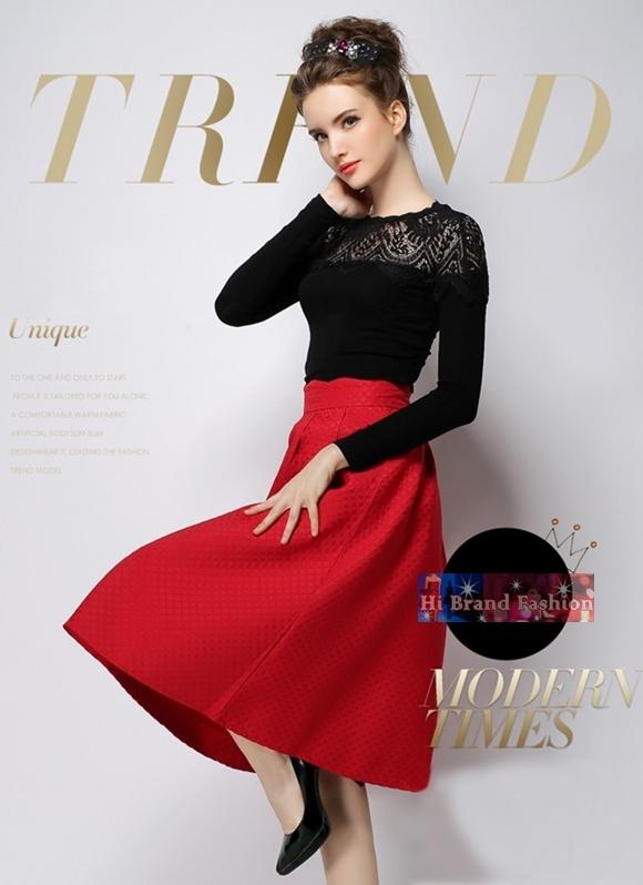 ชุดเซ็ท 2 ชิ้น เสื้อยืดแต่งลูกไม้แขนยาวกับกระโปรงสีแดงทรงสุ่มบานยาวคลุมเข่า Black Long Sleeves Slim Tee and Red Flared Skirt พร้อมส่ง 3 ไซส์ S M L