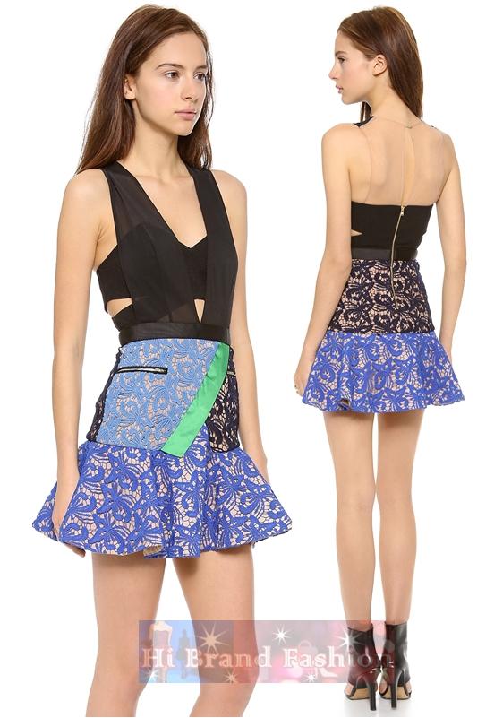 เซลฟ์ พอร์ทเทรท เดรสสั้นแขนกุด ผ้าตาข่าย 2 สี ตัดต่อกับผ้าจอร์เจียสีดำและกระโปรงผ้าลูกไม้สีฟ้าน้ำเงิน Peplum Dress With Structured Bodice and Contrast Lace Skirts พร้อมส่ง size S