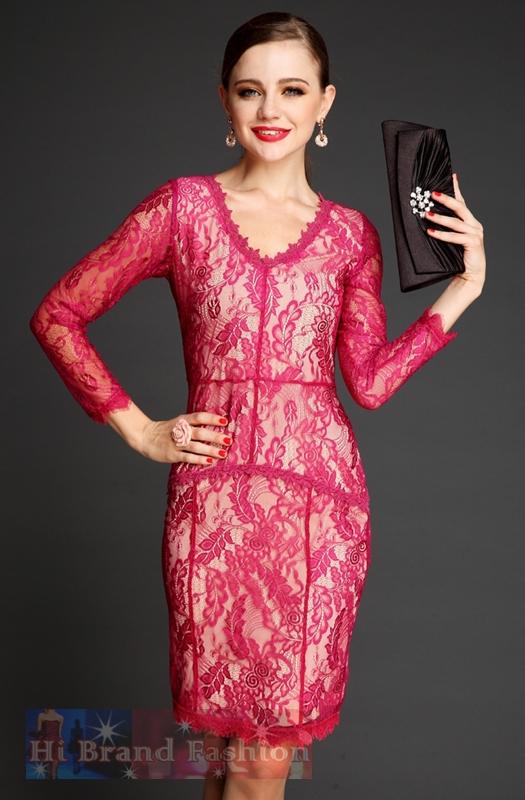 เดรสหรูออกงานแขนยาว คอ V ผ้าลูกไม้บางเบาสีไวน์แดง ซับในสีครีม เน้นลายสวยๆ ของลูกไม้ให้โดดเด่นขึ้นค่ะ Long Sleeves Red Wine Lace Dress พร้อมส่ง 2 ไซส์ค่ะ S กับ M