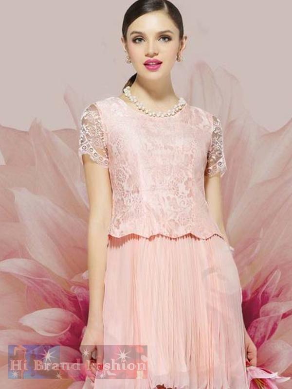 เดรสหรูออกงานแขนสั้น ผ้าลูกไม้ชีฟองสีชมพูอ่อนคลุมกระโปรงพลีทบาน หวานสุดๆ Sweet Pink Pleat Skirt and Lace Dress พร้อมส่ง 3 ไซส์ S M L