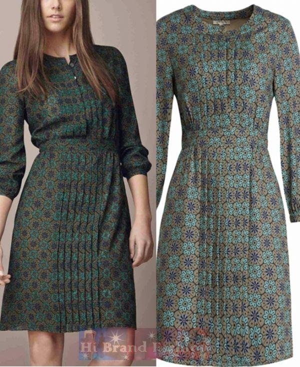 เบอร์เบอร์รี่ เดรสสั้นทรง A พิมพ์ลายแขนยาว ผ้าจอร์เจียสีกีวีพิมพ์ลายดอกไม้สีเขียว อัดพลีทผ่าหน้า Green pleat detail floral print dress พร้อมส่ง 3 ไซส์ค่ะ S M L
