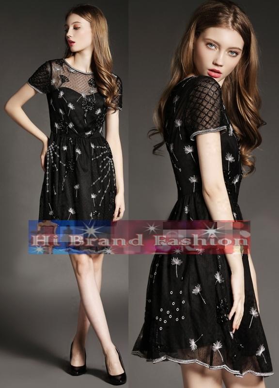 เดรสใส่ออกงานแขนสั้น ผ้าตาข่ายนิ่มลายจุดปักลายดอกหญ้า ประดับเลื่อมดอกไม้ใหญ่แบบจัดเต็ม พร้อมซับในหน้าอกโค้ง ใส่น่ารักค่ะ Big black beaded lace embroidery party dress S XL