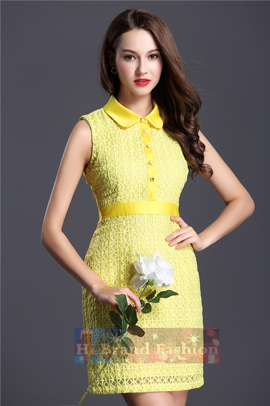 เดรสสาว CEO working woman ใส่ทำงานนัดสำคัญ เดรสหรูออกงานแขนกุดปกบัว ผ้าแก้วปักลายตารางสีเหลืองทั้งตัวพร้อมซับใน ผ่าหน้าติดกระดุมมุก Bright yellow mosaic slim dress พร้อมส่งครบ 5 ไซส์ค่ะ