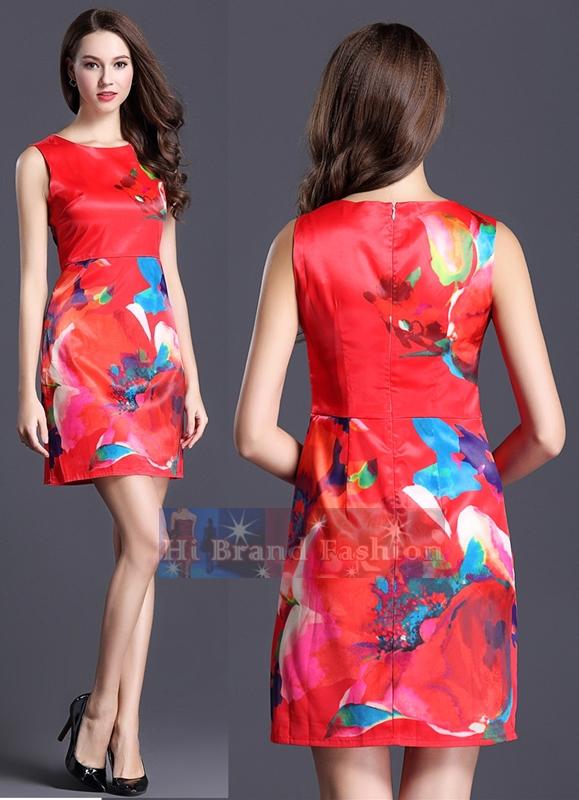 เดรสหรูออกงานแขนกุด ผ้าแพรบางเนื้อมันลื่นออกเงาสีแดงเข้มสดพิมพ์ลายดอกไม้ใหญ่สดสวย  Floral print sleeveless red dress พร้อมส่งครบ 5 ไซส์ค่ะ