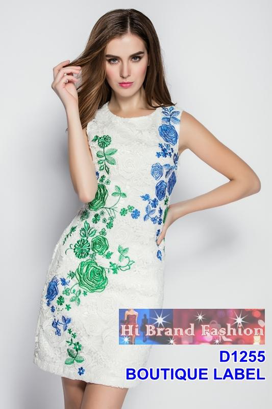 เดรสลูกไม้ขาวลายดอกกุหลาบ แต่งเติมสีเขียวกับสีฟ้าเพิ่มความสดใสโดดเด่นชวนมอง size L