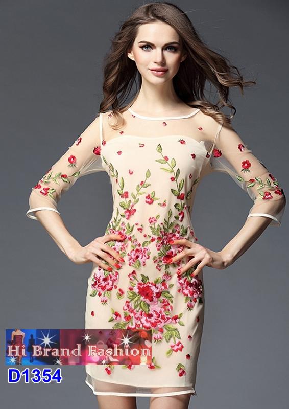 เดรสหรูออกงานผ้าบุหงาสีครีมปักดอกไม้แดงหวานๆ มี 5 ไซส์