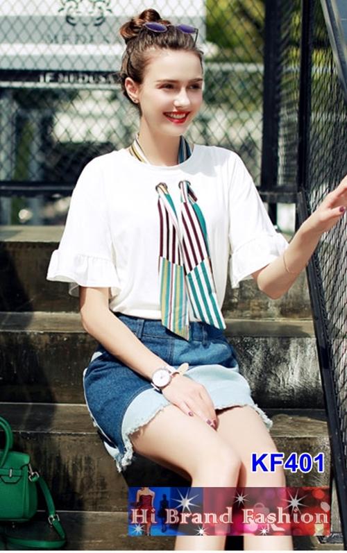 เสื้อยืดตัวหลวมแขนสั้นสีขาว ผ้าเนื้อเนียนนิ่ม แต่งผ้าคล้องคอสีสวยเกร๋ๆ  S M L