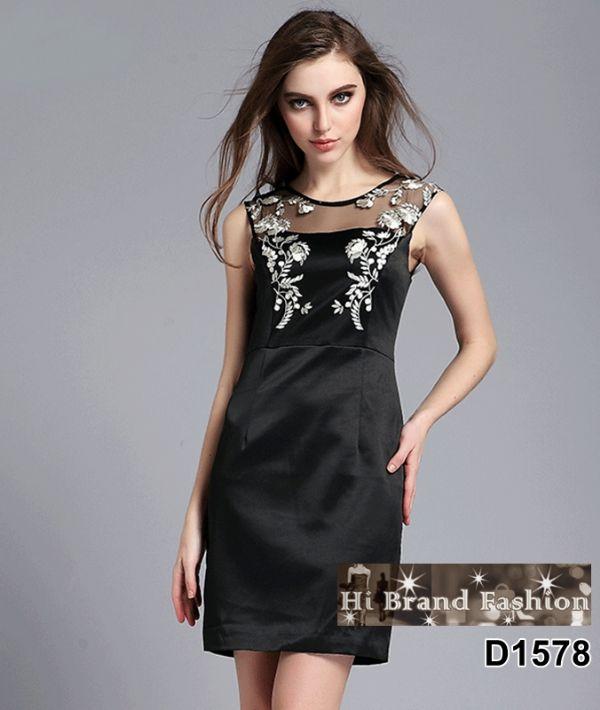 เดรสผ้าซาตินสีดำตัดต่อผ้าบุหงาซีทรู ปักลายดอกไม้โค้งชดช้อย uk12
