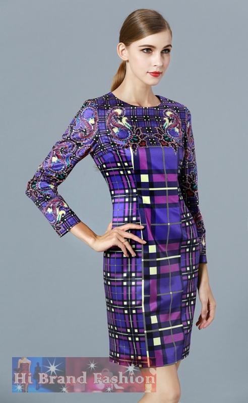 เดรสสีม่วงแขนยาว ผ้าซาตินสีม่วงพิมพ์ลายสีสดโดดเด่นบนตารางสก็อต uk12 uk14