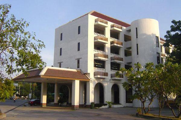 โรงแรมรอยัล ไดมอน