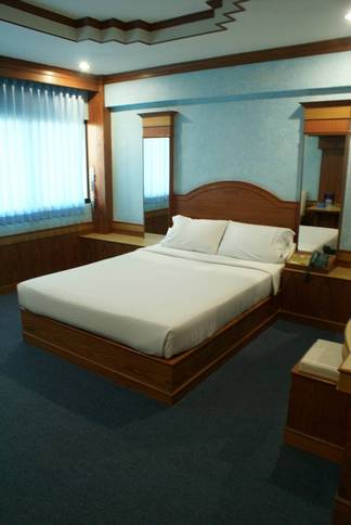 โรงแรมบอสส์โฮเต็ล
