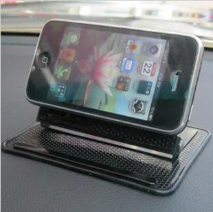 ของใช้ในรถ : แท่นพร้อมซิลิโคนยึด GPS/มือถือ สะดวกดู