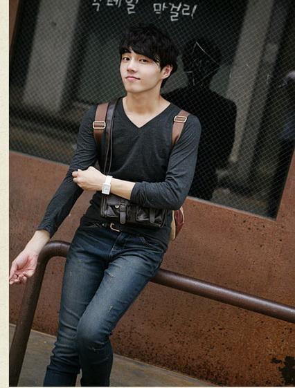 เสื้อผ้าผู้ชาย เสื้อกันหนาว : สเวตเตอร์คอวีแขนยาว casual