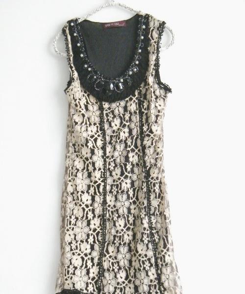 เสื้อผ้าแฟชั่น: dress ลูกไม้คอแต่งลูกปัด