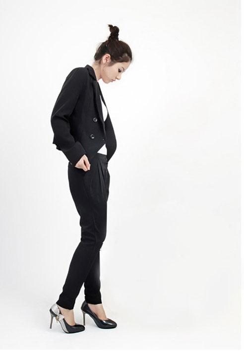 เสื้อผ้าแฟชั่น: กางเกงสแลค medern แต่งกระดุม