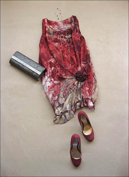 เสื้อผ้าแฟชั่น : เดรสหรูจับเดรฟตะโพกติดดอก