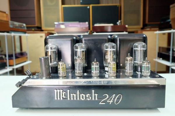 Power Amp McIntosh MC240 *